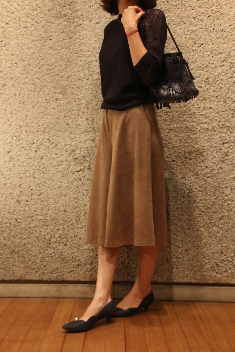 袖透かし編みニット+スカーチョコーディネート2