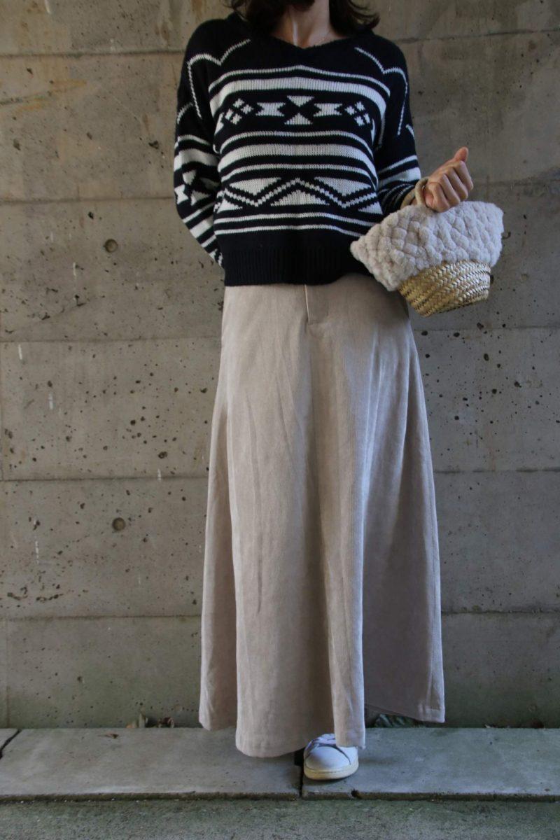 柄ニット+マキシ丈スカート2