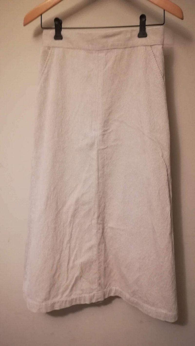 ビスコーデュロイスカート