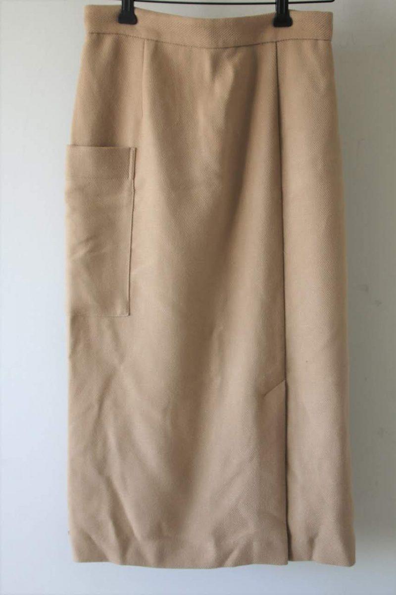 アパートバイローリーズスカート