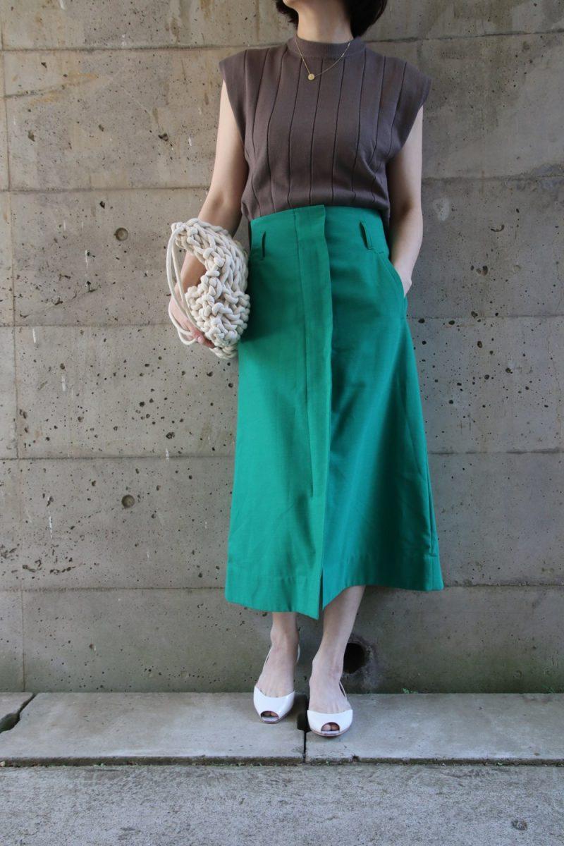 太リブニット×グリーンスカート
