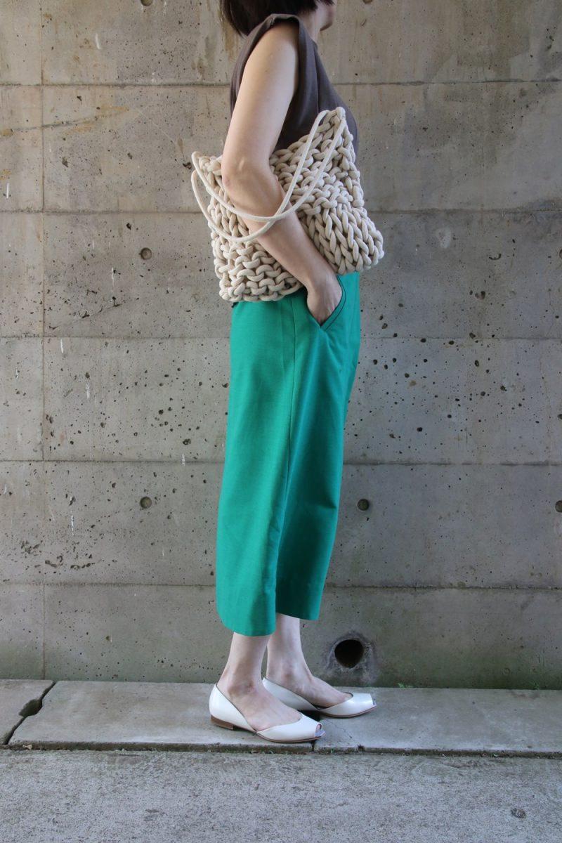 太リブニット×グリーンスカート横